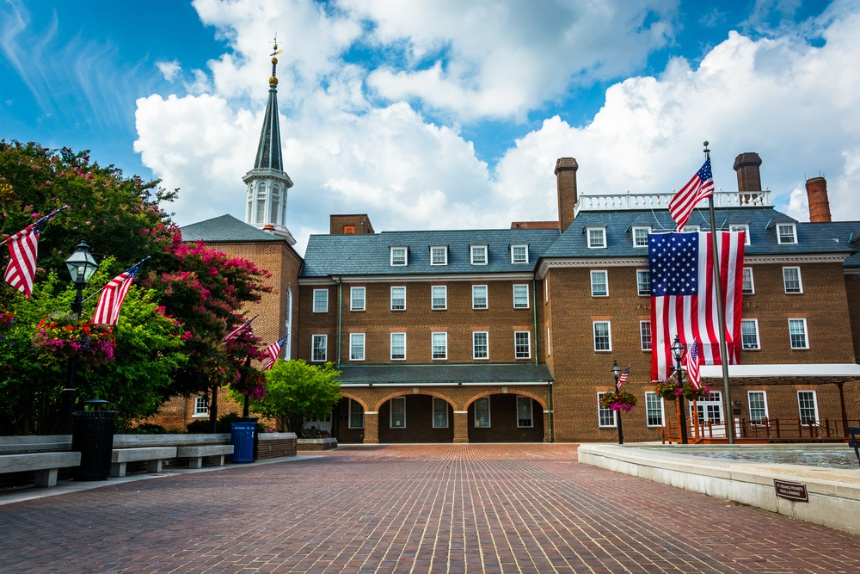 Blog_Teaser_Market_Square_and_City_Hall,_in_Alexandria,_Virginia.-1