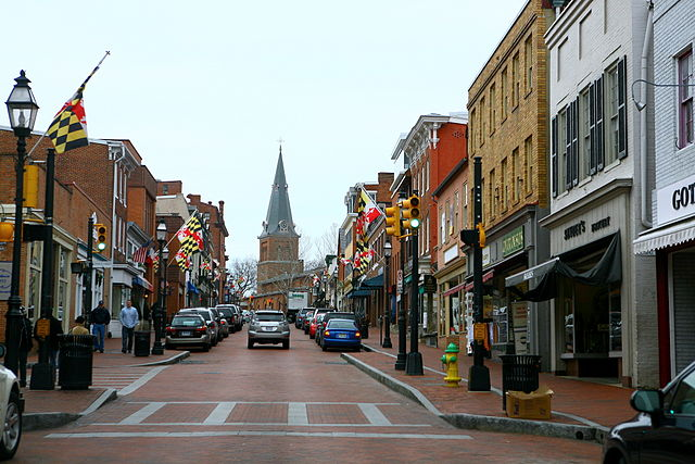 640px-Some_Annapolis_commercial_strip