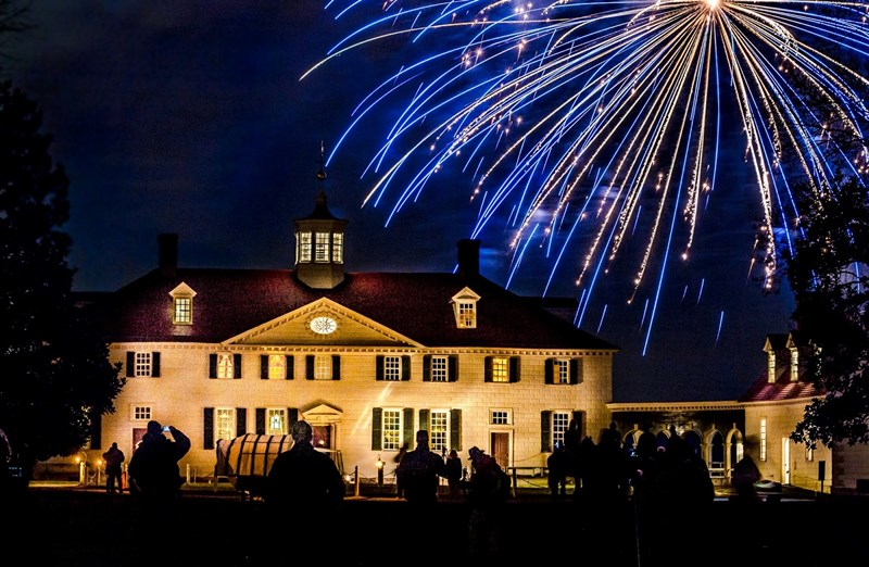 Mount_Vernon_holiday_lights