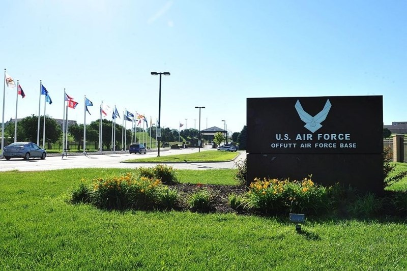 Offutt_AFB_main_gate